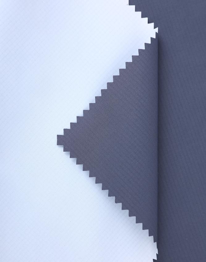 防寒保暖系列 JZ181120-2 240T春亚纺 乳白色PU涂层